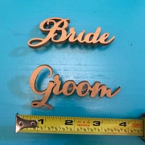 Bride and Groom Pins